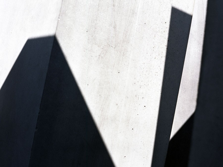 No title. Holocaust Memorial, Berlin. Peter Eisenman, Buro Happold architects © Jerominus 2012