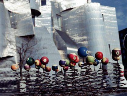 Jeu de boules (House of Balls's truck) Frederick R. Weisman Art Museum, Frank Gehry architect, 1993 Minneapolis, Minnesota, USA © 2002 Jerominus