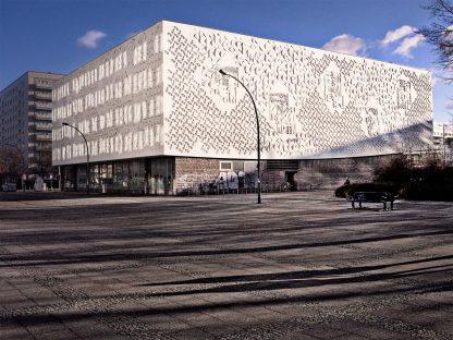 Kino International, Berlin Josef Kaiser, Heinz Aust architects 1963 Relief Façades by Waldemar Grzimek, Hubert Schiefelbein and Karl-Heinz Schamal © Prosper Jerominus 2018