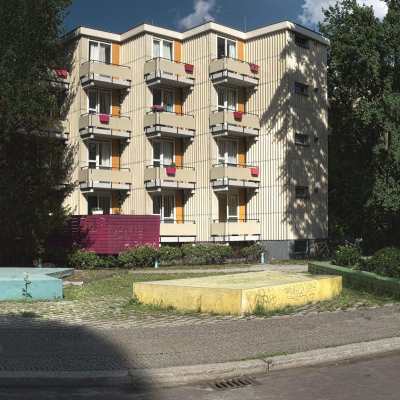 Happy balconies - Magenta running wild
