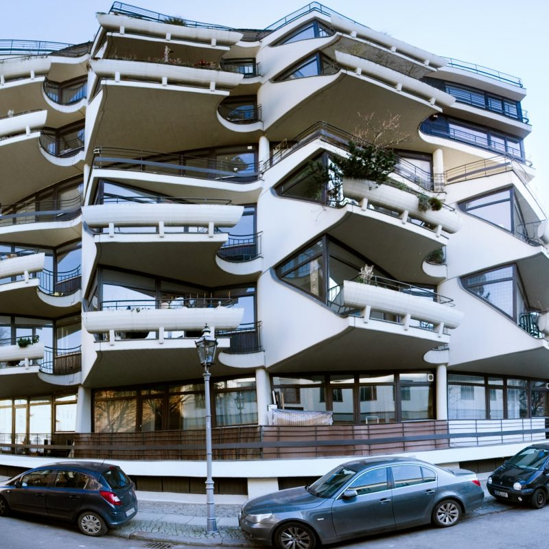 Balcony in(-)sanity - Give away skeleton - Berlin Charlottenburg